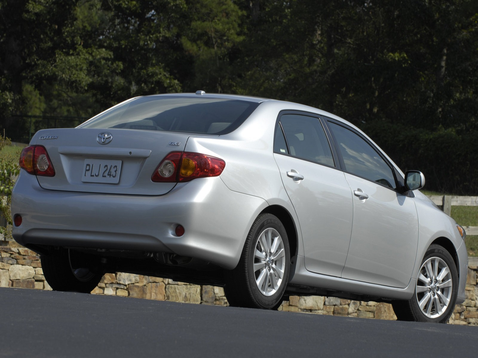 2006 2013 toyota corolla very likely your mom s car autopolis. Black Bedroom Furniture Sets. Home Design Ideas